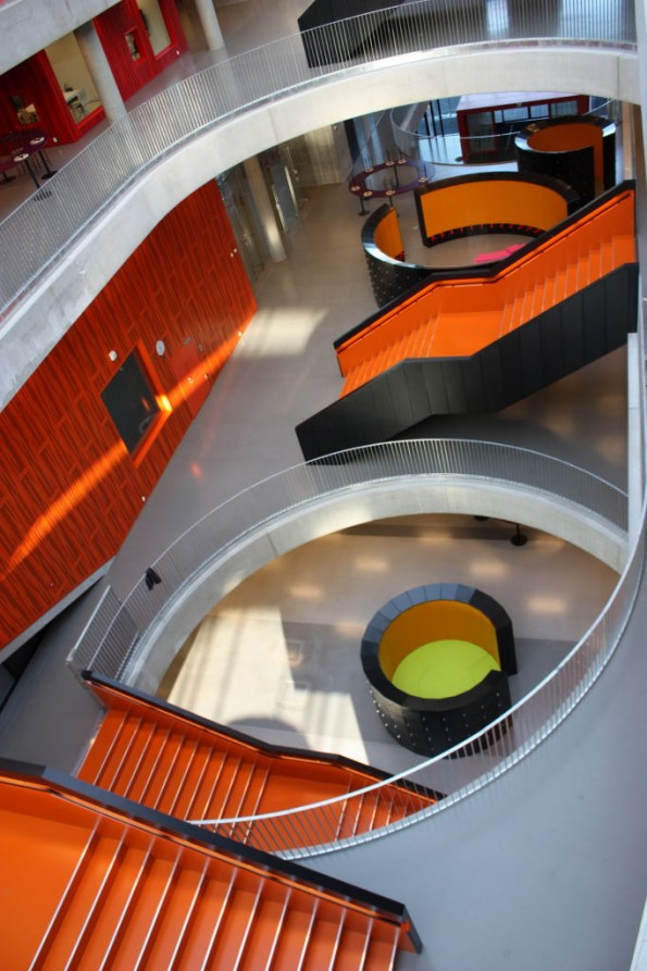 Thor-Heyerdahl-School_Schmidt-Hammer-Lassen-Architects_plusMOOD-Stair-595x893