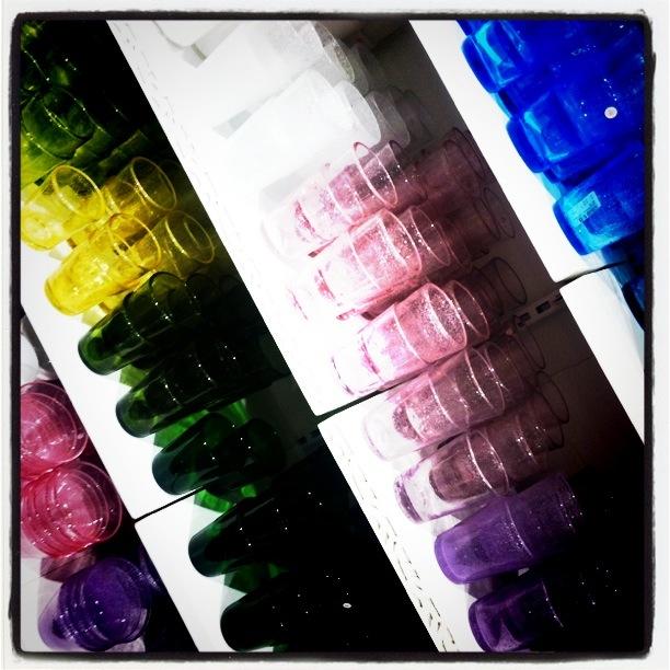 fargerike kjøkkenglass fra Indiska