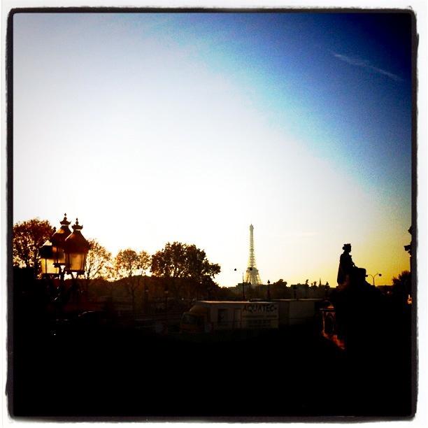 Eifeltårnet i horisonten