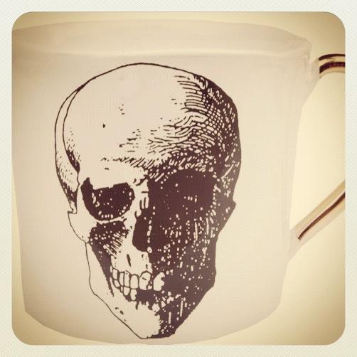 Kuhn kaffekopp med hodeskalle