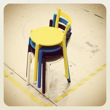 Fargerike pinnestoler fra IKEA PS