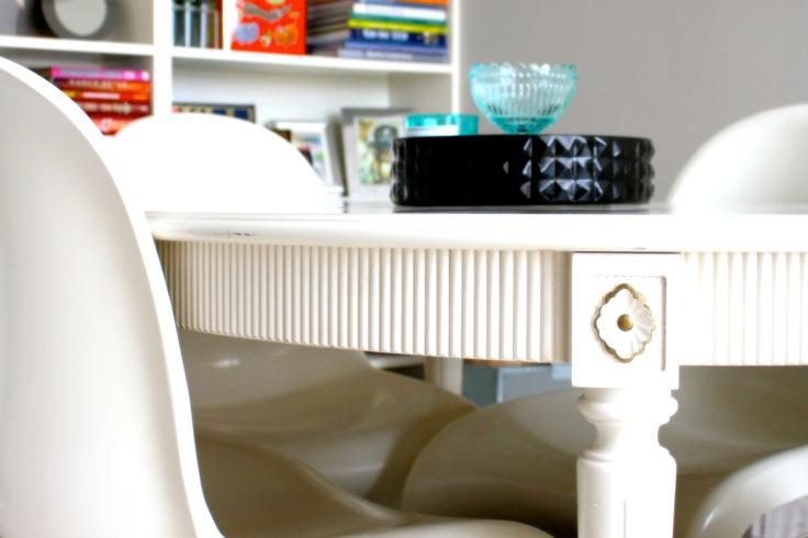 Gustaviansk spisebord