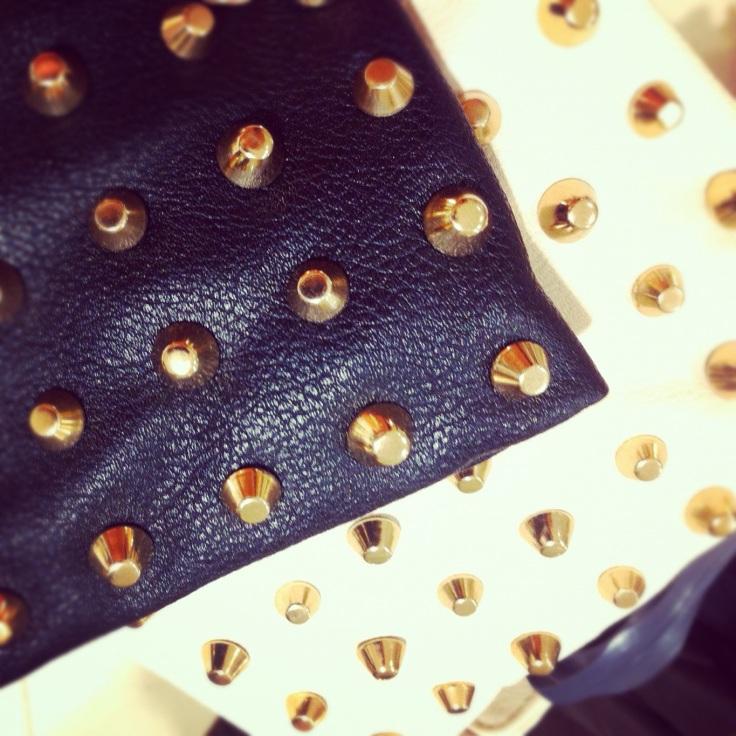 clutch med nagler fra Zara